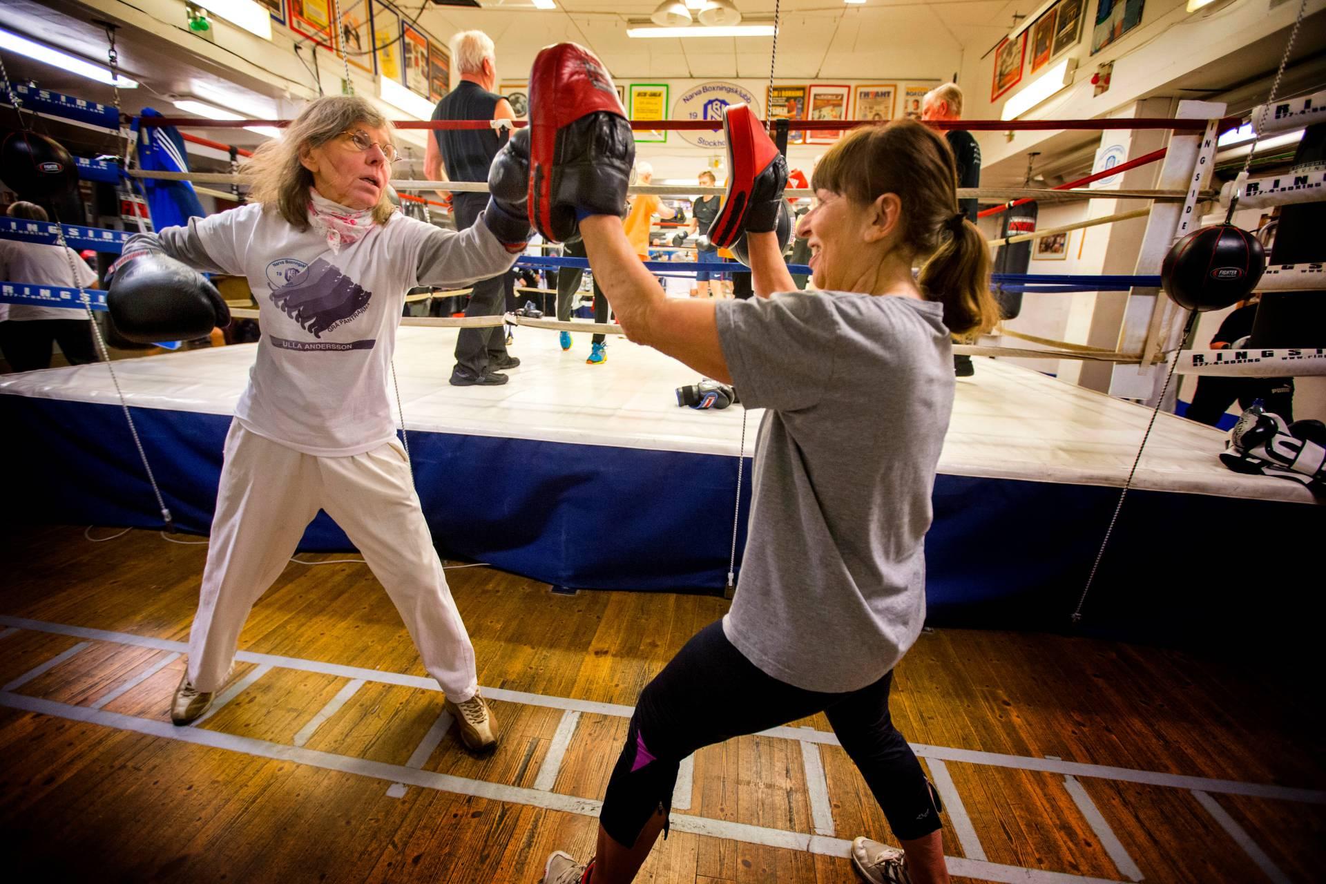 pensionärs boxning