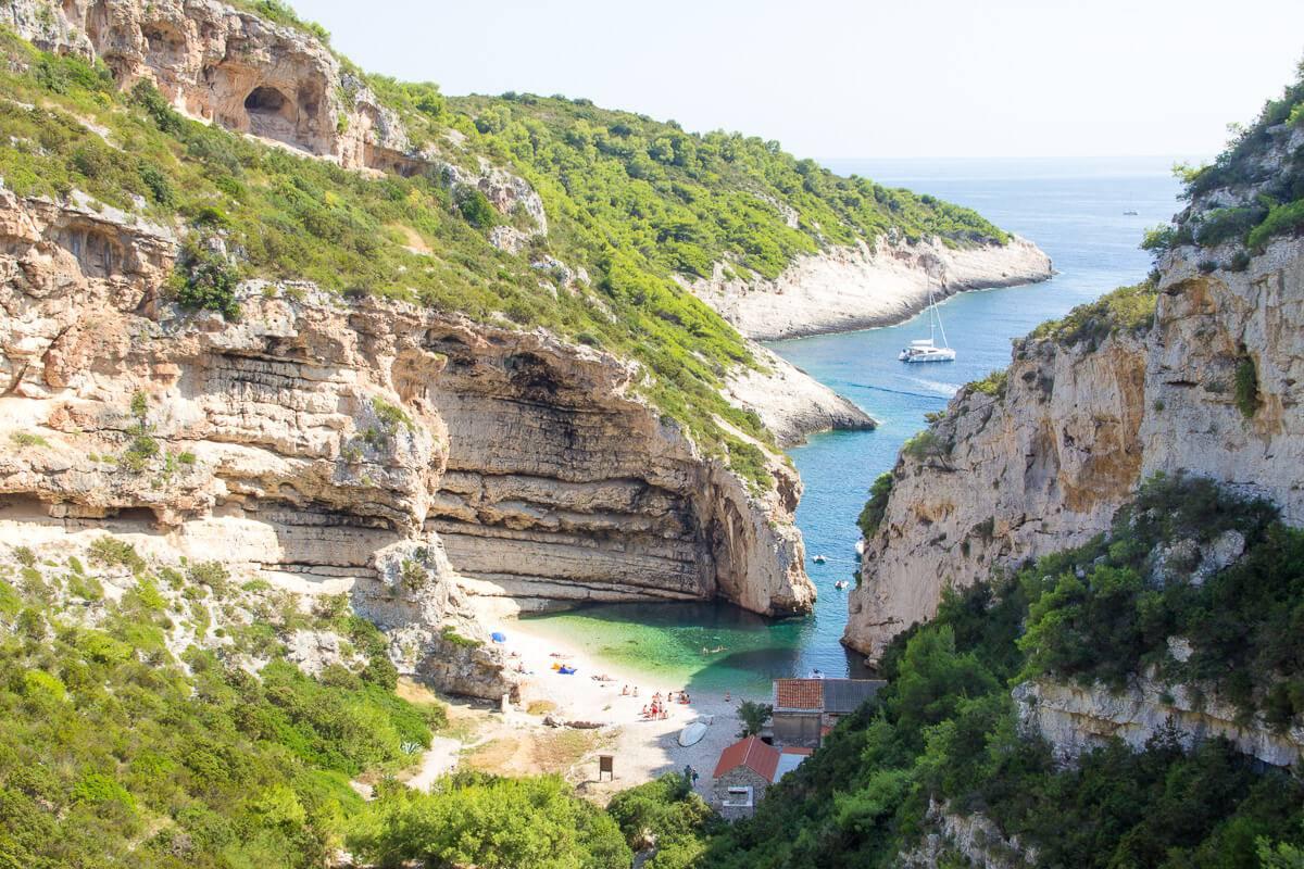 Skön Båtluff I Kroatiens Skärgård