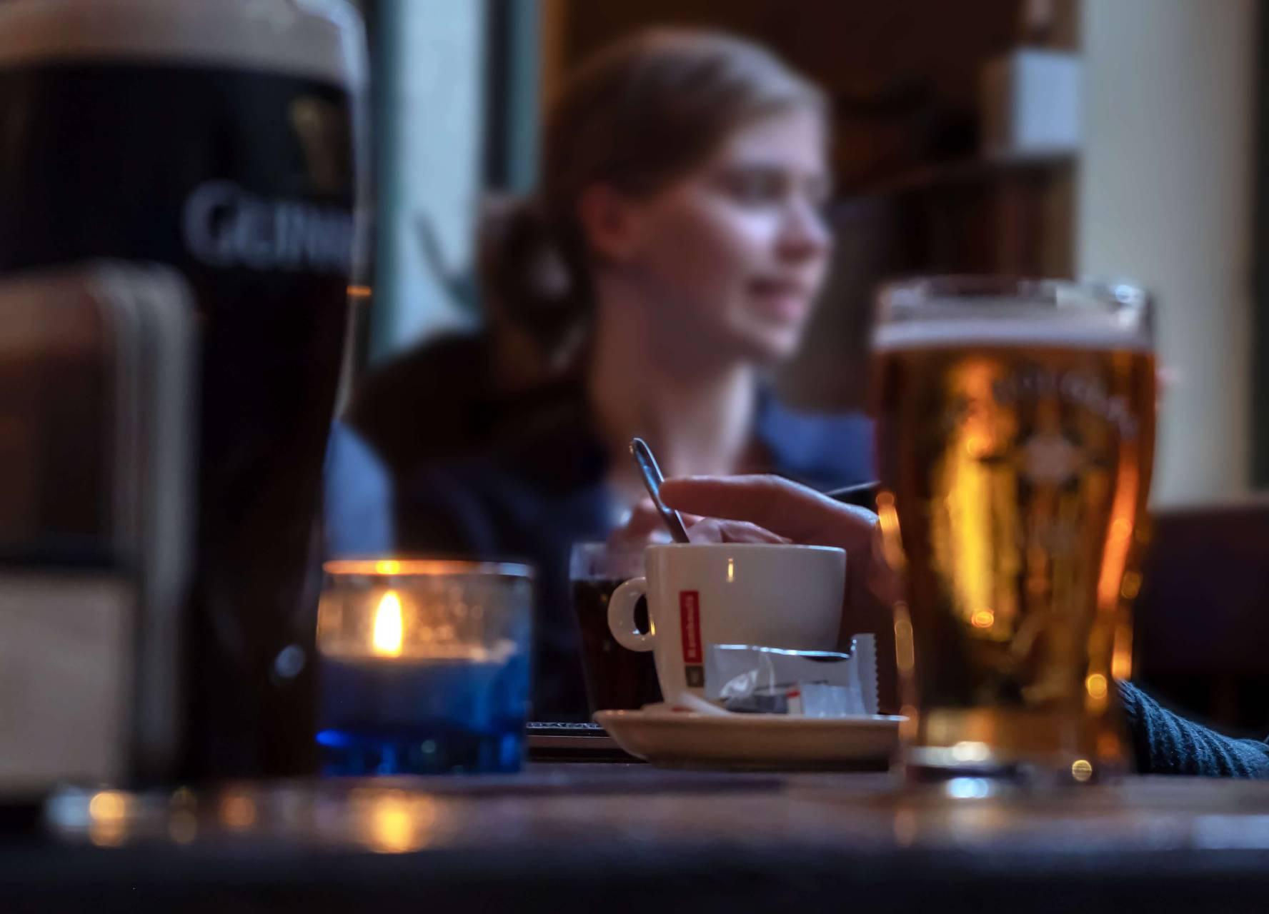 En krönika om en pub i Belgien Foto: Photo by Fernand De Canne on Unsplash
