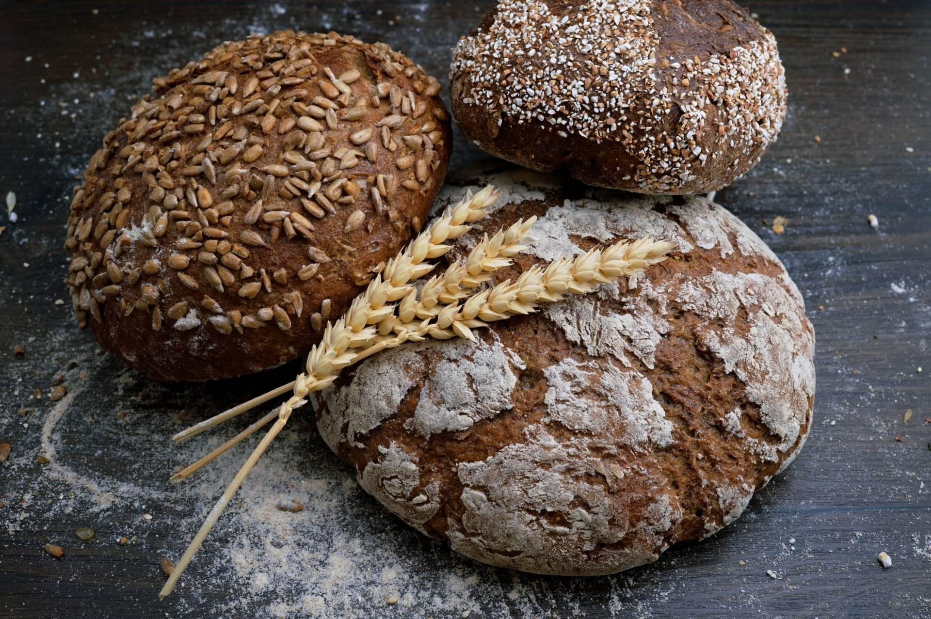 Fiberrikt bröd som bakats med guargummi och betaglukan kan hjälpa dig att minska i vikt enligt en studie.