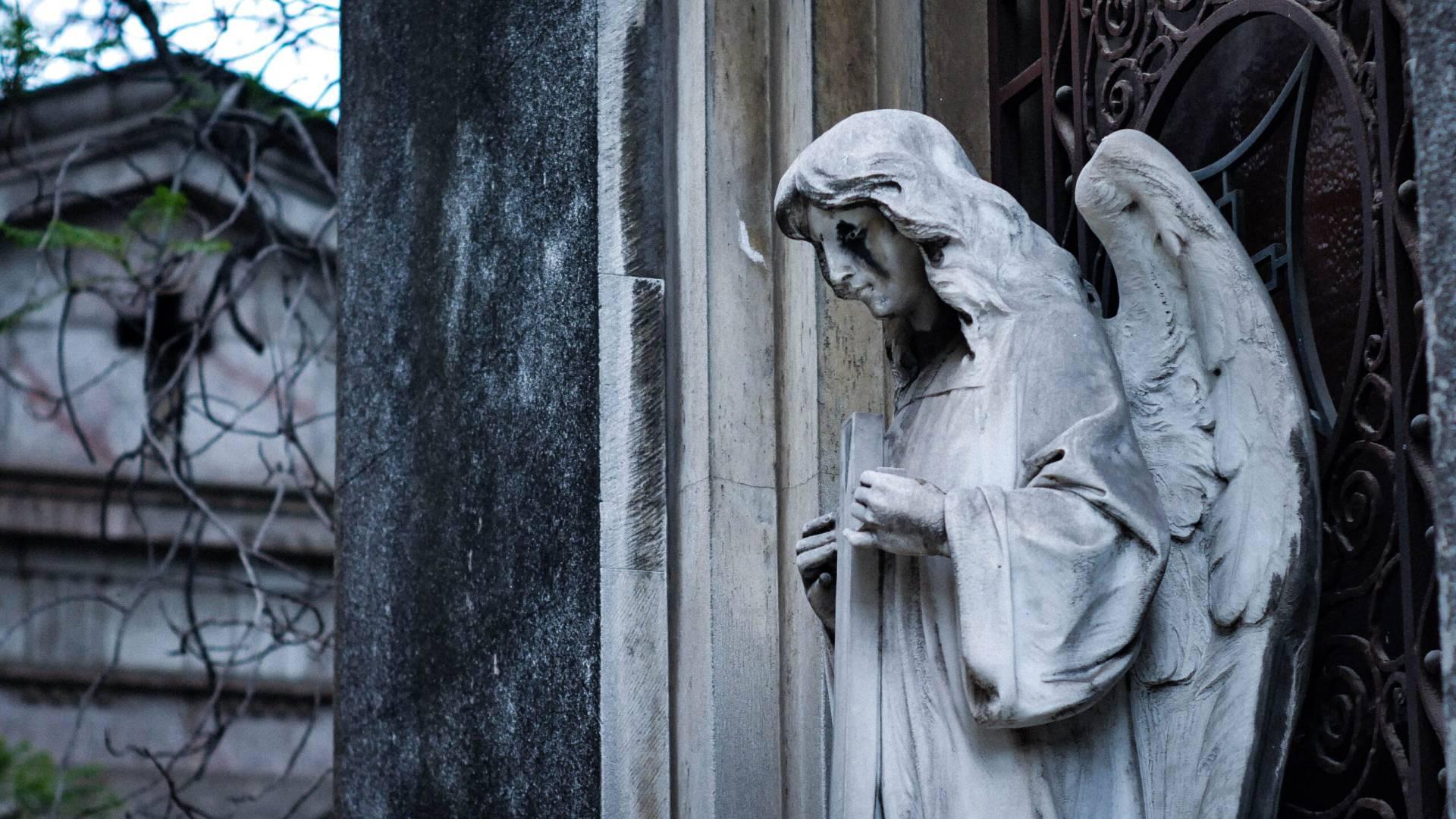Gråtande staty