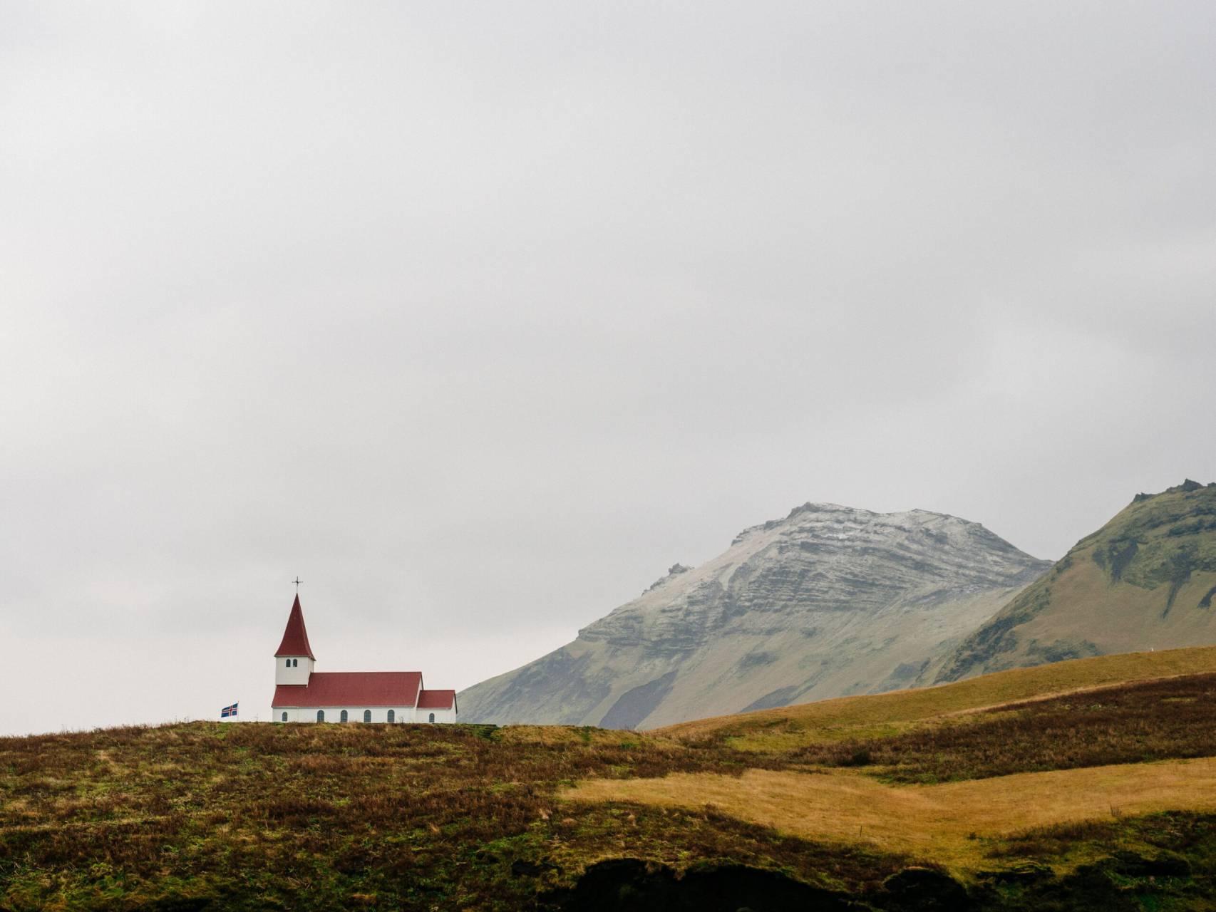 Island, kyrka